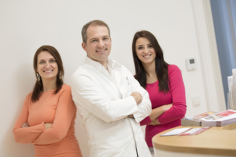 Dr. Quint und sein Team freut sich auf Ihren Besuch